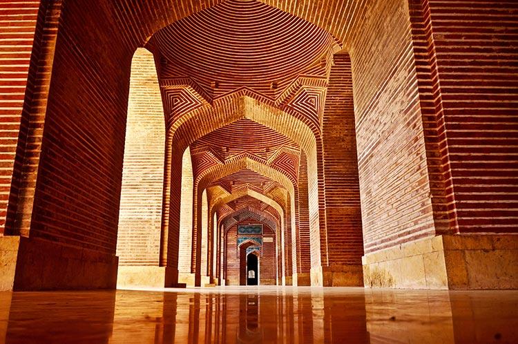 shah jahan mosque pakistan.jpg