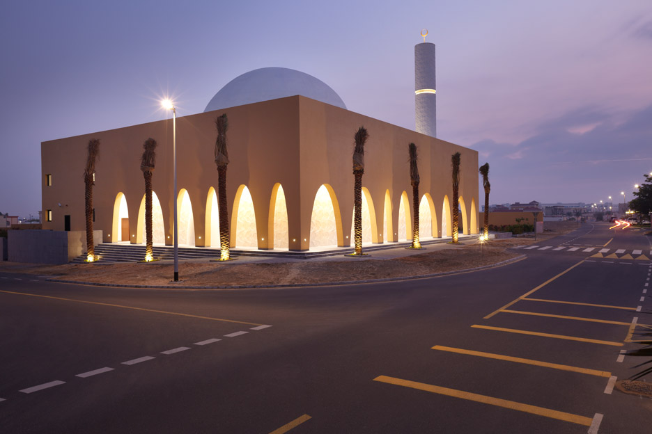 al-warqaa-mosque-ibda-design-worship-dubai-united-arab-emirates-_dezeen_936_7.jpg