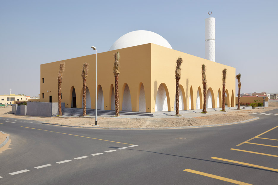 al-warqaa-mosque-ibda-design-worship-dubai-united-arab-emirates-_dezeen_936_12.jpg