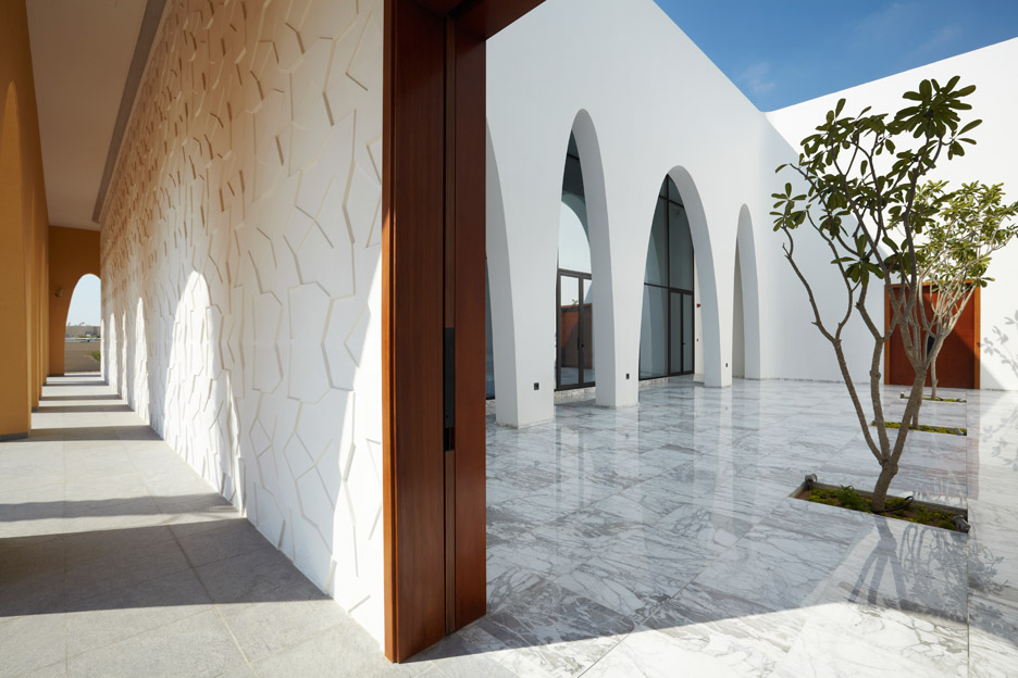 al-warqaa-mosque-ibda-design-worship-dubai-united-arab-emirates-_dezeen_936_0.jpg
