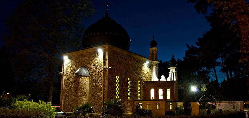 shah-jahan-mosque-gallery_1.jpg