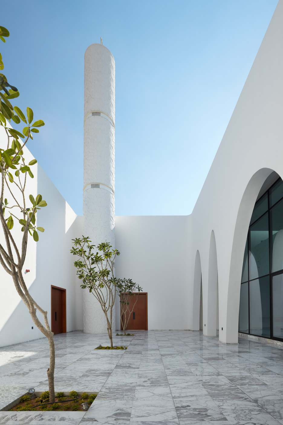 al-warqaa-mosque-ibda-design-worship-dubai-united-arab-emirates-_dezeen_936_11.jpg